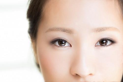 女性の前髪のイメージ